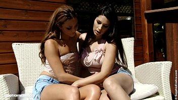 Cantina Fling - by Sapphic Erotica lesbian sex with Zafira Natali
