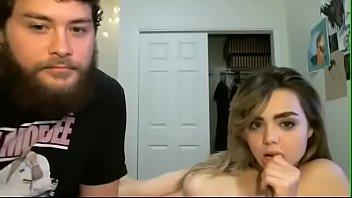 clipuri porno 2018 cu tinere blonde stropite pe fata