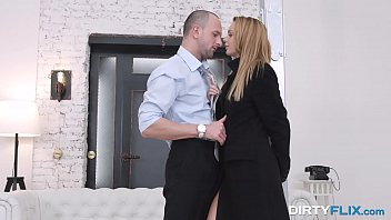 Dirty Flix - Courtesan is Emily Thorne calling