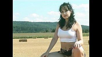 Free nude photo galleries - Wunschvideo.net nudist girl video
