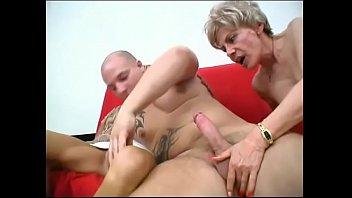 2 Russian grannys fuck a lucky young guy