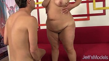 Big boobed babe gets her chubby pussy fucked صورة