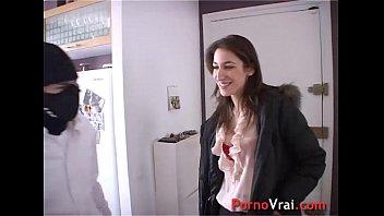 Sexy salope - Etudiante super salope baise avec 2 inconnus french amateur
