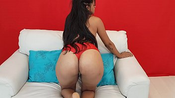 Super Giant Brunette Ass Farting Solo