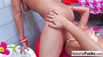 Busty Natasha fucks Sexy Vanessa Cage
