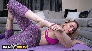 BANGBROS - PAWG Mia Malkova's Zen Ass Gets Pounded Hard By Chad White
