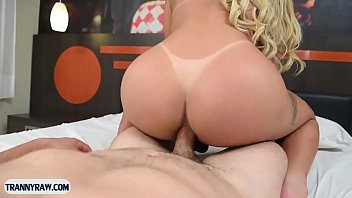 Juicy tranny from Brazil anal pumped by a horny guy