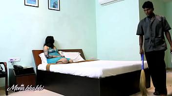 CoverIndian Mona Bhabhi Teasing Room Server Cleaner Boy