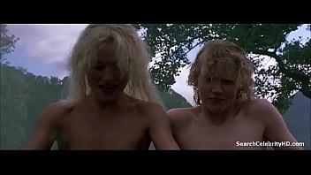 Sammi Davis, Amanda Donohoe in The Rainbow (1989)
