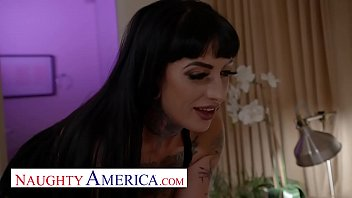 Naughty America -Jessie Lee's husband is fucking groupies so she fucks her neighbor
