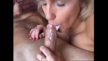 cum mouth milf