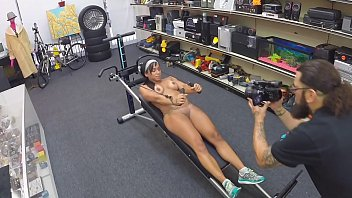 Big muscle xxx Xxx pawn - fit latin lady workin out naked in my store, fuck yeah