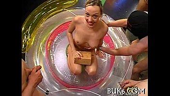 Oral pleasure with pissing shower Vorschaubild