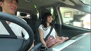 車の中での会話からお泊りデートに向かっているらしい。何プレイ?お互い興奮プレイ。ちょっとだけだよとローターで気持ちよくなる。