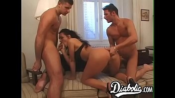 Mature skank DP rammed in hardcore threesome