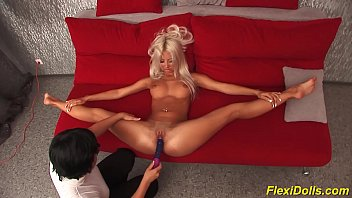 Flexible ipod porn Real flexi doll big dildo fucked