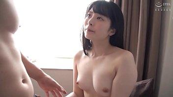 色白の可愛い娘が男のチンポをメス顔で感じまくる濃厚セックス
