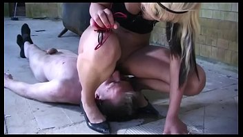 Young Amateur Domina fuck Guy with Strapon and Pee in his Mouth