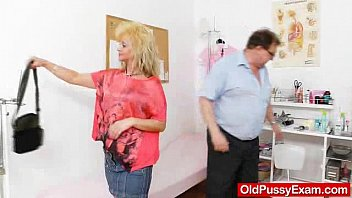 In this flick you will see Patrice the plump blonde mature, whole she visited th