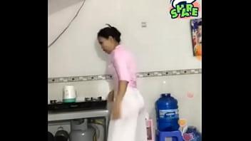 áo dài phi bóng xuyên thấu livestream (full link: http://megaurl.in/Mi9cEHE) image