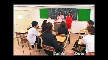 Japanische Schulmädchen Orgie