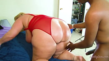 Busty PAWG teaches dummy Fleo how to squirt