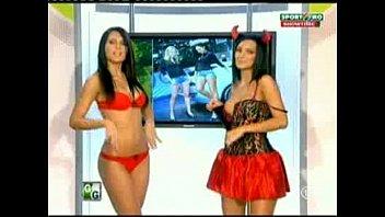 Goluri si Goale ep 14 Miki si Roxana (Romania naked news) thumbnail