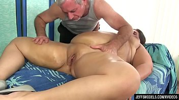 Sexy Plumper Danni Dawson Gets Her Fat Body Licked and Massaged pornhub video
