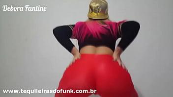 Débora Fantine dançando Rabetão