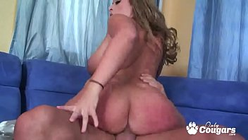 Thick & Curvy MILF Vanessa Lee Rides Cock Doggystyle