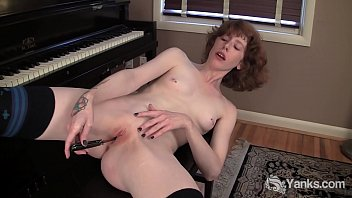 Redhead Yanks Staci Fucks Her Knife