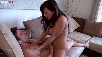 Lisa ann before boob job Milf pornstar lisa ann goes for a morning sex