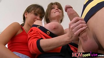 Darla Crane and Riley Reid hot ffm 3way