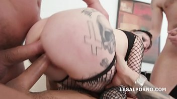 Alternative Mega slut Mallory Maneater gets a Powerful dose of Double anal