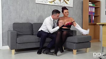 Busty boss Harmony Reigns wants that big ass cock inside her shaved pussy Thumb