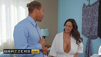 Mammas got boobs Mommy got boobs - ava addams, ricky johnson - seduced by his stepmom - brazzers
