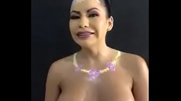 Mayte Flores desnuda