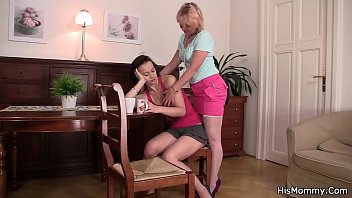Blonde mom banging ponytailed teen with vibro