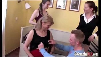 Free granny ass Lucky boy and gilfs and grannies in group sex