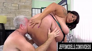 Huge Bellied Young Latina Veruca Darling Gets Worshipped and Railed
