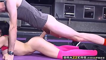 Brazzers - Big Tits In Sports - Sophia Laure and Danny D - Sweaty Ass Workout