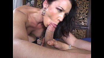 Horny housewife cheating Vorschaubild