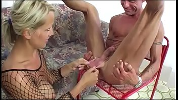 Blonde bitch loves insertions and rimjob