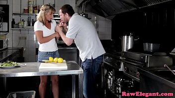 Gorgeous Babe Assfucked In The Kitchen
