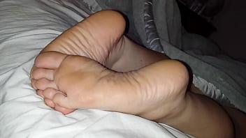 Cumming On Girlfriend's Feet #5 thumbnail