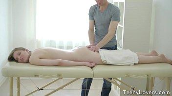 telugusex: satisfaction belinda on massage table thumbnail
