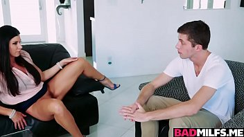 Teen Arielle and milf India awesome threesome fuck
