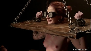 Blindfolded redhead gets tongue pinned