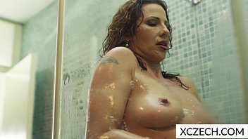 Hot sexy girls in the shower Extremly hot milf showering