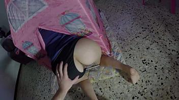 POV creampie bloccata nella tenda - amatoriale italiano Lollolara91